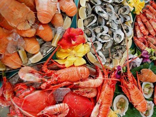 Không ăn hải sản sau nâng mũi